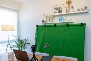Greenscreen nutzen - Homeoffice-Hintergrund